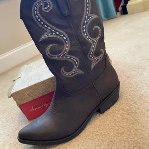 Barely worn (1 time), still in box, cowboy boots!